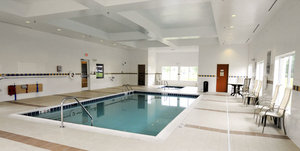 Pool Hotel with Parking Facility La Quinta Inn & Suites Plainfield, IN 46168